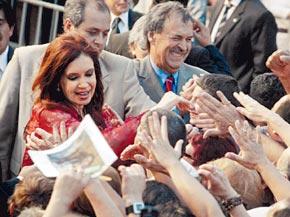 Los tiempos de Kirchner ponen en apuros al PJ bonaerense